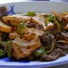 幸運な病のレシピ( 551 )朝:牛肉青椒肉絲風厚揚げ入りピリ辛、味噌汁、サバ干はじめ