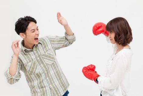 米国では3月と8月に離婚が多い  冬季と夏季休暇に関連? 離婚申請の分析