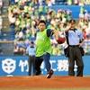 吉川晃司 日本シリーズ第6戦始球式に登板