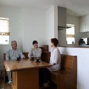 離れて暮らす家族、ご両親、愛犬も大満足の新居が完成