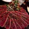 高校時代のマドンナに「プロポーズされた場所は玄関だった」という話をされながら、神楽坂にある『ラムダック』で旨い肉を食べた。