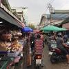 活気ある『クロントイ市場』を歩く。