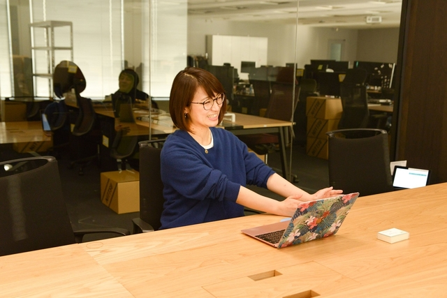 「メルカリ」で働きつつ、静岡銀行、コンビニ店員の副業をこなす。池田早紀さんの仕事のやりがいとは