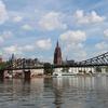 ドイツ、フランクフルトは近代的な都市と、歴史的な旧市街が共存している街