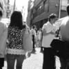 オープンバザーの時には、狭い通りに人が溢れる大人気