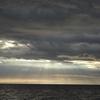 光のシャワーを見たよ志下海岸(沼津市)