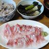 今日の食べ物 朝食に鯛の刺身と茄子の揚げ浸し