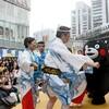 くまモンがハイヤ踊り 東京で全国手土産じまん