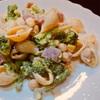 コンキエリとひよこ豆とブロッコリーのサラダ、わさびマヨネーズ和え