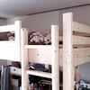 手作りベッドとブランコ