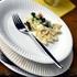 キャンプで使う食器は使い捨ての紙皿も楽で良いけど、風で飛ばない割れにくいお皿のほうがもっと良いです。汚れも落ちやすいガラスのお皿。