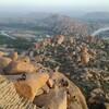 筆舌に尽くしがたい絶景、巨岩と遺跡の村ハンピ