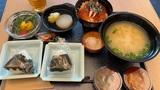 【豪遊】上野のドーミーインが安い 無料ラーメン・酒・アイス、露天風呂、朝食いくら丼……