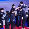 2021.4.17 世界フィギュア国別対抗戦最終日 表彰式でメダルを互いに掛け合う日本代表選手