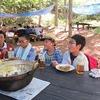 5年生:林間学習2日目⑤ 昼食 作ったカレーを実食