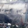 解体中の「明治」倉庫から出火、5千平方m焼く