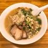 北新地の薩摩っ子ラーメンでニンニクのきいたラーメンを食べてきました