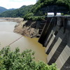 稲の収穫前だというのに、新発田市「内の倉ダム (加治川)」が干上がる寸前。