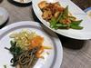 野菜を食べる