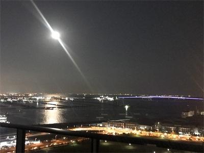 中秋の名月〜海面に映る月明かり〜
