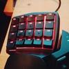ディスプレイとキーボード、おにゅーにしてみました。