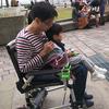 歩けない息子の足代替モビリティ開発記①     ~手作り電動台車 から 車椅子物理ハックへ~