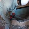 ひもの屋発信‼干物情報‼解体工事は完璧装備でやっている!が、鼻毛が。。。