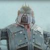 ドナルド・トランプが操縦する巨大ロボトランプが、メキシコ国境で大暴れしている短編映画『M.A.M.O.N.』。