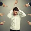 旦那さんが仕事でストレスを抱えています。会議つるし上げされた経験ありますか?