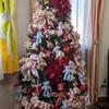 古いクリスマスツリーを使い続ける方法は、大き目&たくさんのオーナメントでした。