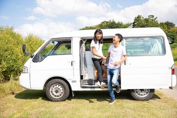 車中泊で見つけた2人の生きる道とは?  人気YouTuber、わたなべ夫妻の気ままなVAN LIFE