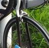 安いロードバイクを買ったら、真っ先に交換すべき命に関わる部品とは!? それはブレーキ!