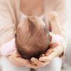 赤ちゃんの頭の形はいつまでに決まる?予防する方法やオススメの枕をご紹介