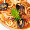 旨味の大洪水!魚介類たっぷりのトマトスープパスタのレシピ・作り方