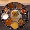 【ナッラマナム】堺筋本町で個性あるスパイス料理のプレートをスパイス混ぜご飯と頂く。