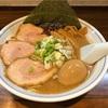 田町の人気ラーメン 魚介と豚骨スープの「むらさき山」