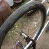 だいぶ昔の自転車を修復中・・・タイヤとチューブ交換