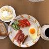 今日の朝食    かりんの蜂蜜漬けをヨーグルトに