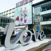 ヨーグルトショップ、Love Yogurtの華貿店は3階建ての大型店