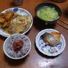 幸運な病のレシピ( 2218 )朝 :鶏唐揚の卵とじ、鮭、味噌汁