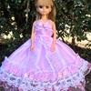 ピンクの豪華なドレス