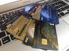 シャンパンゴールドのANAスーパーフライヤーズカード(JCB)限定券面より通常券面の方が・・・