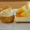 浜町の「おやつのこぼく」で桃のレアチーズタルト、シュークリーム。