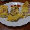 幸運な病のレシピ( 725 )朝 :サンドイッチのオムレツ(ハムチーズサンドの仕立て直し)、東京シャモでガラスープ