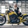 バイク:Thunder Bike「Softail Breakout Silverstone」