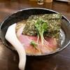 【鶴来 ラーメン】「煮干しそば」「もつ煮」もつ煮と煮干しそば 真也食堂
