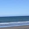 ウインターサーフ物語。「寒暖の差が大きくて、一日を暖かく過ごすには少々難あり。それでも海に漕ぎ出して、冬晴れの下で満ち時狙いのファンサーフ」の巻。