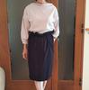 秋の流行色ニュアンスカラーのトップスがあれば可愛い系スカートもOK