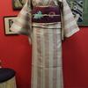 白ピンク縞結城紬×赤紫色地アザミ刺繍名古屋帯