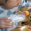 空いたペットボトルで、震災の被災時用のコップやお皿を作ってみる。地震や災害に備える